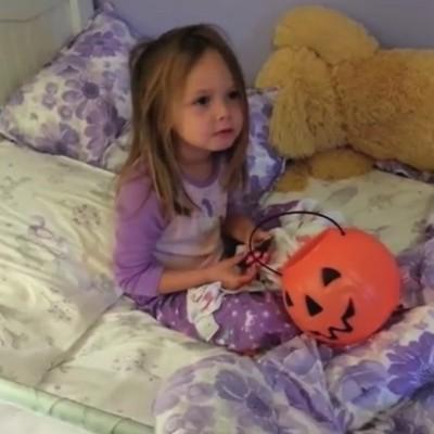 Реакции на деца чии родители им кажале дека ги изеле сите бонбони кои тие ги собрале на Денот на вештерките