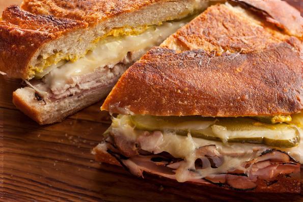Кубански сендвич - обилно и раскошно гурманско искуство