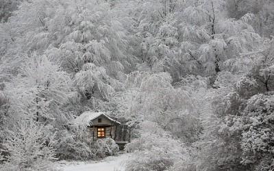Куќички во кои можете да побегнете од сè, освен од снегот и осаменоста