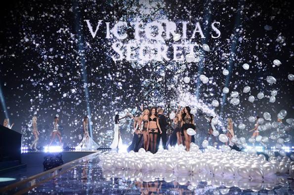 "Модното шоу на ""Victoria's Secret"""