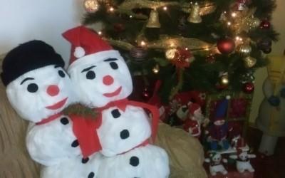 Направете сами: Преслатки снешковци како декорација во вашите домови