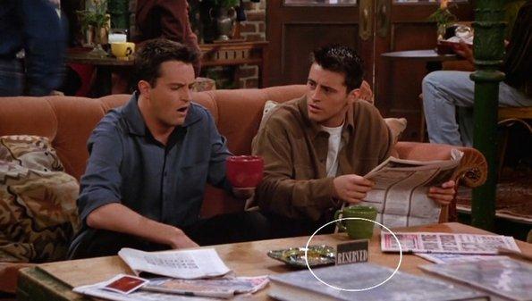 """Интересно: Еве зошто групата од """"Пријатели"""" секогаш седеше на истиот кауч"""