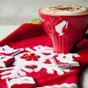Празнична шолја кафе за добро расположение