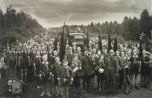 Јапонски остров каде што луѓето живеат под гас маски