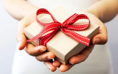 Како да препознаете дали на некому навистина му се допаѓа вашиот подарок?