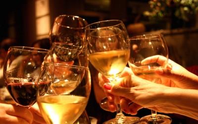 Постојат 2 вида на жени: Оние кои пијат црвено вино и оние кои пијат бело вино