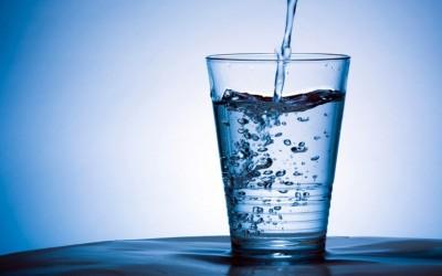 9 здравствени нарушувања кои може да ви се случат ако не пиете доволно вода