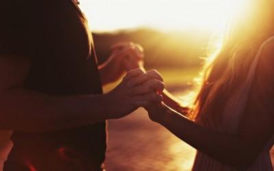 7 начини на кои првата љубов ве направила подобра личност