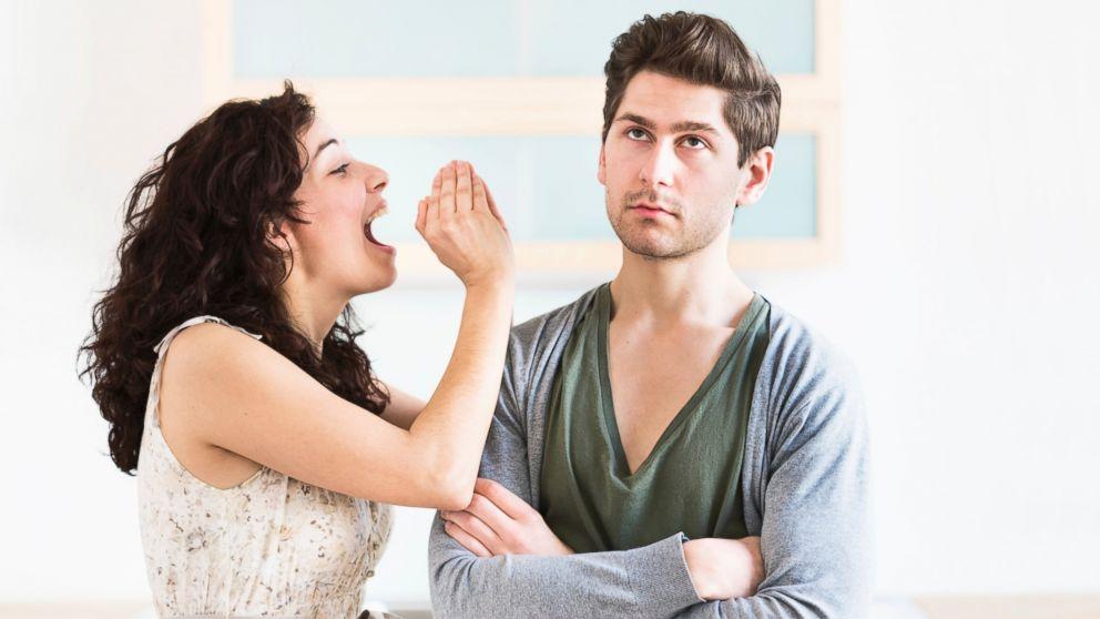 8 начини на кои девојките ги плашат и одбиваат новите момчиња кои ги запознаваат