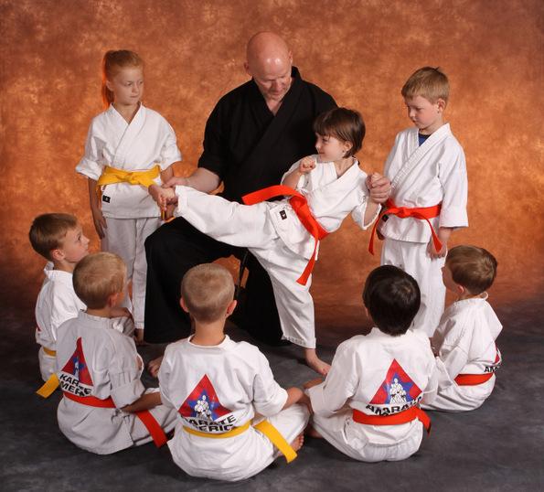 9 причини зошто тренирањето боречки вештини е одлично за вас и за вашите деца