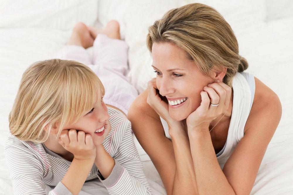 3 нешта кои мајките мора да престанат да ги кажуваат пред нивните ќерки