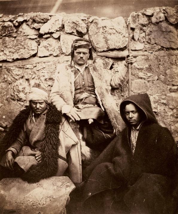 Фотографија на Роџер Фентон, Група на хрватски шефови - солен принт на хартија добиен од стаклен негатив (1855 година)