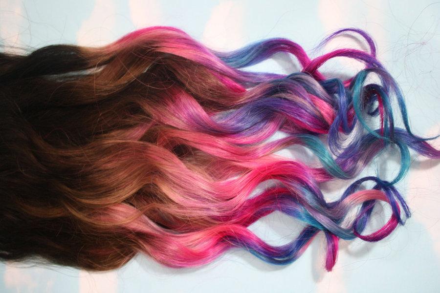 Навики кои ја уништуваат фарбаната коса