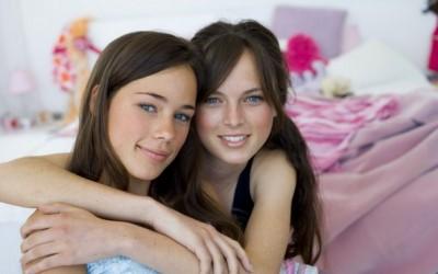 12 нешта кои ќе ги разберат само сестрите кои живеат одвоено