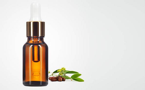 (1) Најдобрите природни начини на кои можете да ја отстраните шминката