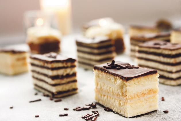 (2) 2 рецепти за торти кои целосно ќе ги освојат вашите најблиски