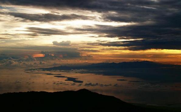(3) Би го посетиле ли проколнатиот остров Сумбава во Индонезија?