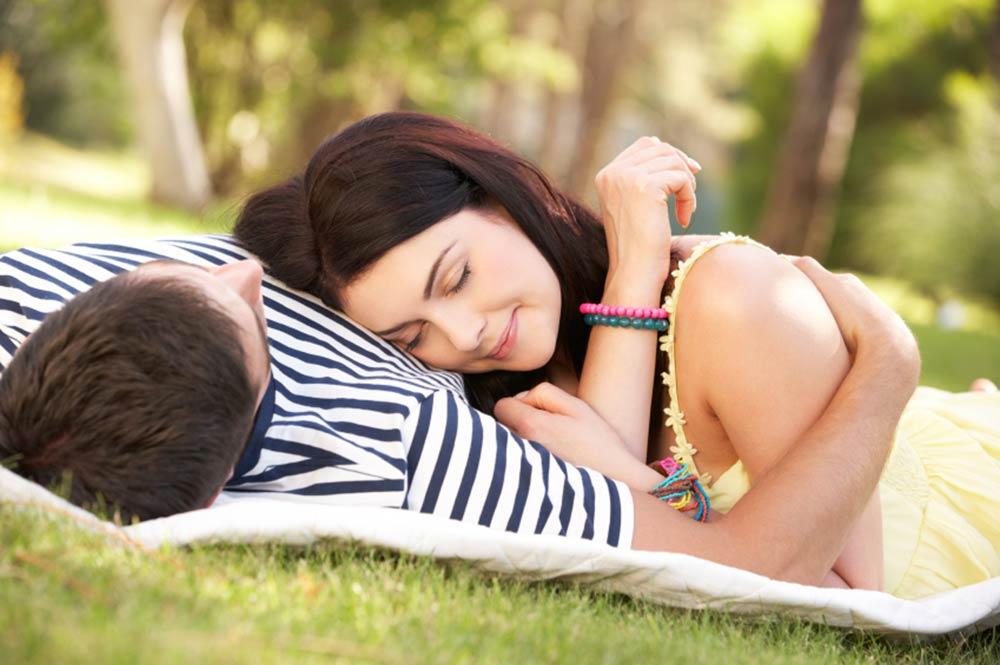 5 неодоливи постапки на мажите кои предизвикуваат сите жени да се стопат