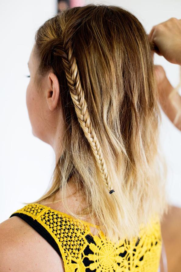 (6) Едноставна летна фризура: Бохо плетенка во јазол