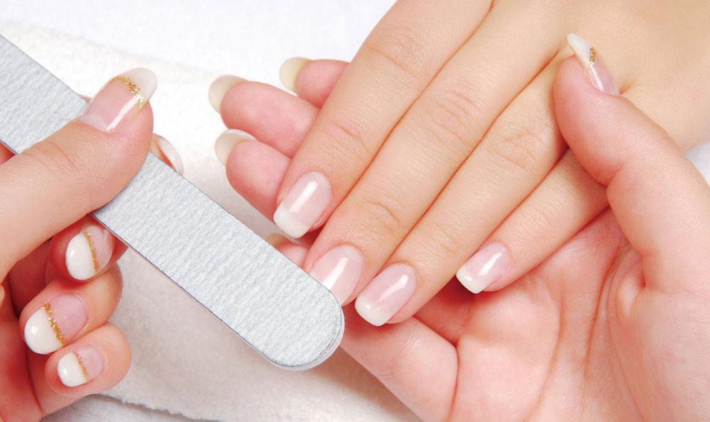 Наједноставен начин да го отстраните гелот од ноктите