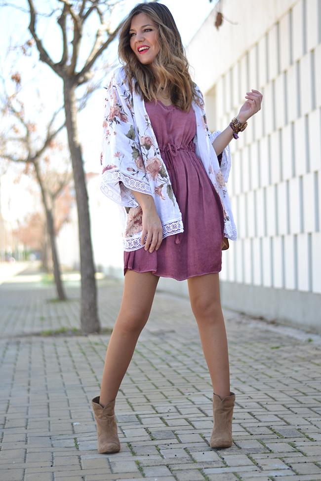 2-kimono-modno-parce-koe-mora-da-go-imate-za-ova-leto-kafepauza.mk