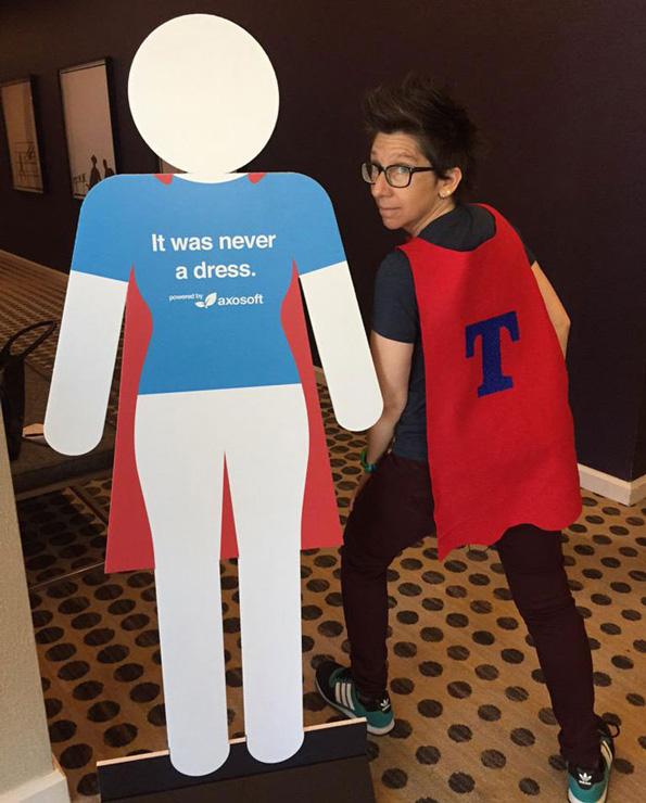 (3) Тоа не е фустан: Кампања која ќе го промени начинот на кој ги гледате знаците за женскиот тоалет
