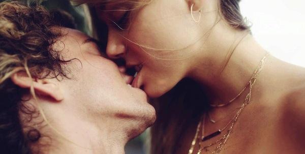 5 видови сексуални односикои ги искусувате кога сте во долга врска