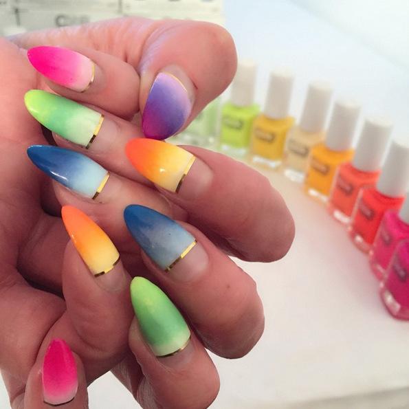 (9) Следете ги овие 5 техничари за дизајн на нокти на Инстаграм доколку сакате да бидете во чекор со најновите трендови