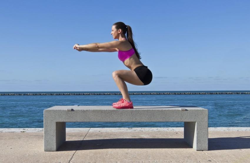 Фитнес предизвик за затегнување на целото тело: 1 вежба, 10 минути, 27 денови