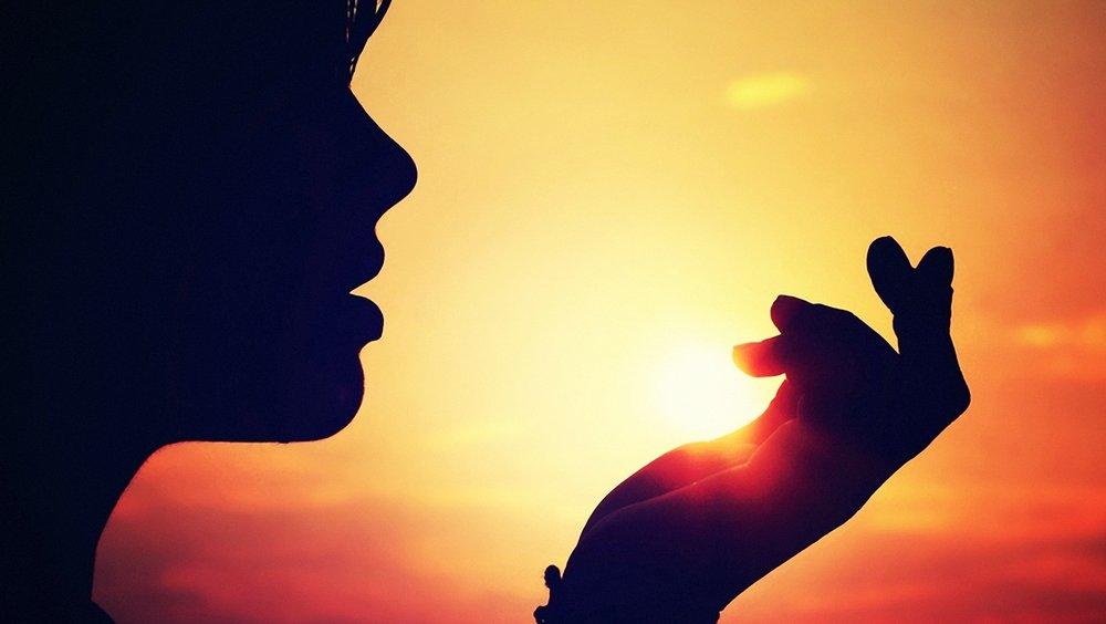 Ги чувствувате емоциите на другите исто како да се ваши? 30 знаци дека сте емпат
