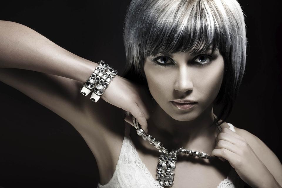 Како да го изберете совршениот накит според видот на вашата кожа?