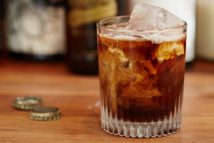 Леден кафе коктел: Темна месечина