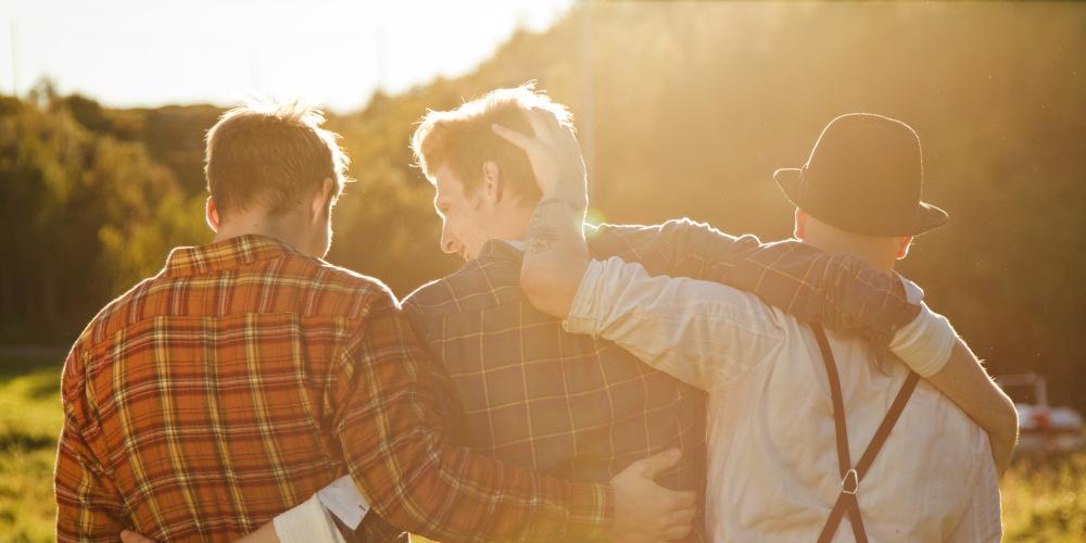 Машки пријателства: Нивната вредност и како да ги одржувате