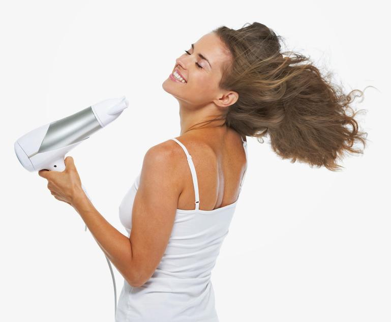 Научете да ја фенирате вашата коса како вистински професионалец