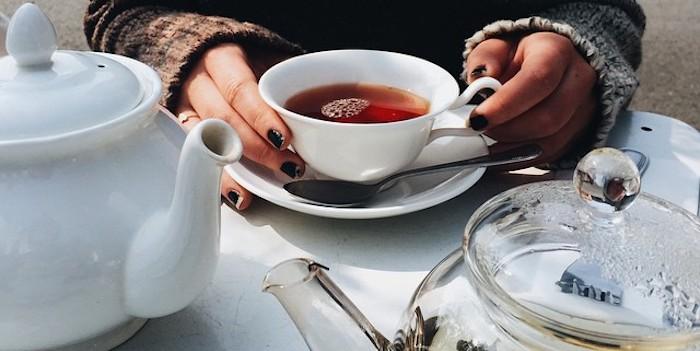 Науката вели дека чајот од камилица може да им помогне на жените да живеат подолго