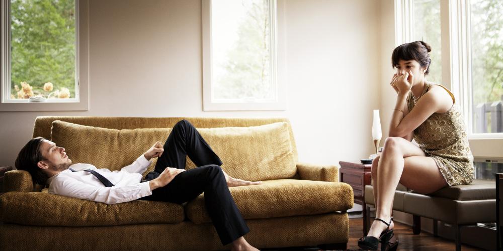 Психолозите ни откриваат која е најголемата причина поради која врските и браковите се распаѓаат