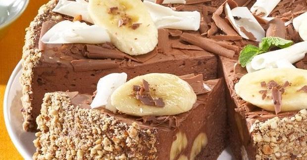 Вкусен чоколаден колач со банани кој не се пече