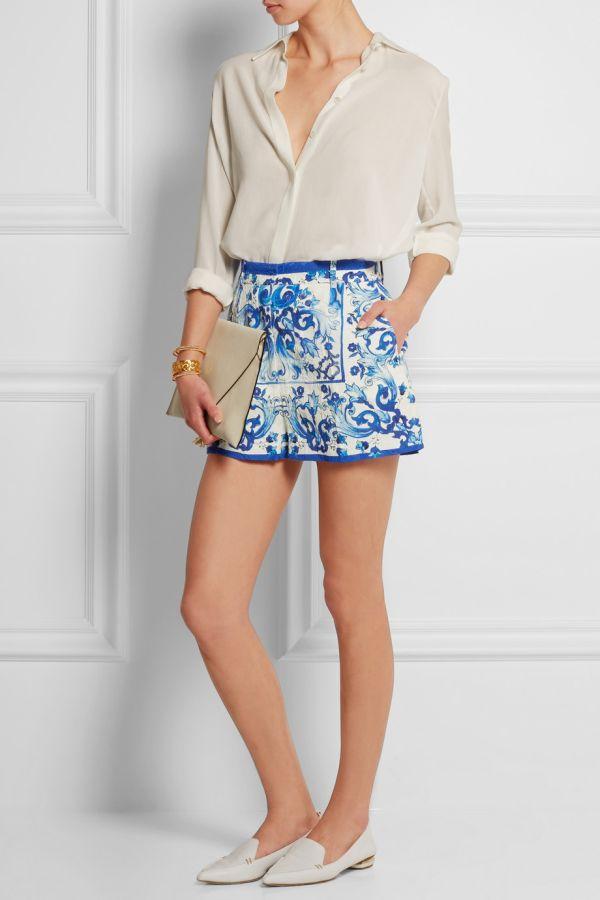 (1) Како да носите кратки шорцеви во сите прилики и притоа да изгледате совршено?