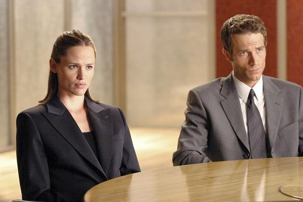 (4) 7 славни парови кои морале да продолжат да работат заедно откако раскинале