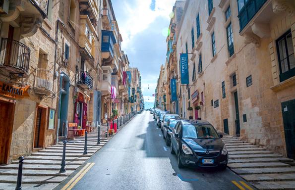 4-Ako-ja-posetuvate-Malta-ovie-fakti-bi-trebalo-da-gi-znaete-kafepauza.mk_