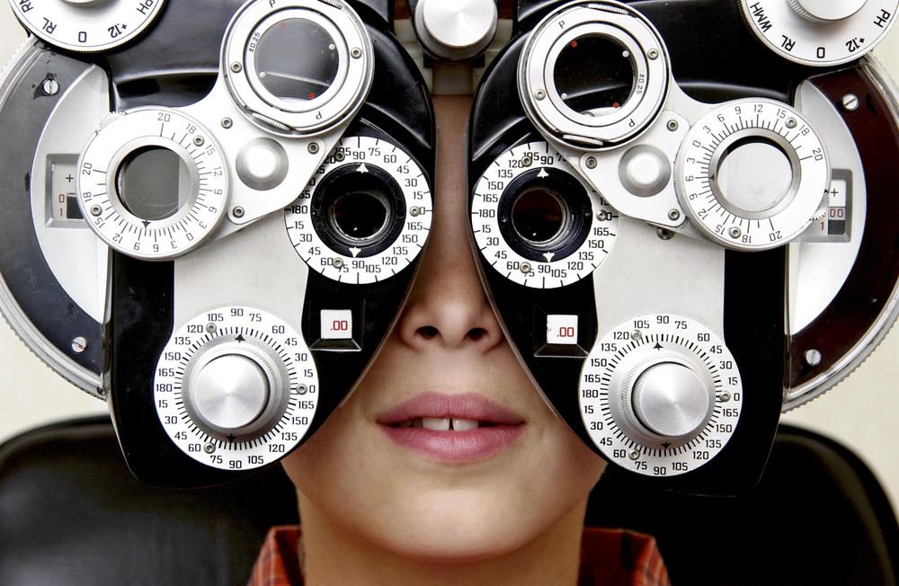 (0) Тестирајте ги вашите очи и откријте дали е потребно да го посетите вашиот офталмолог