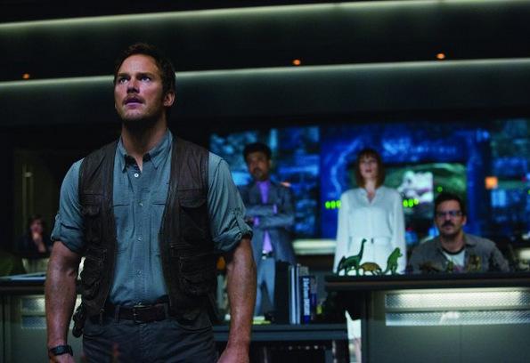 (2) Филм: Светот Јура (Jurassic World)