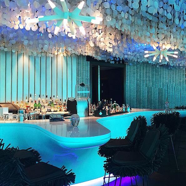 (4) Во овој неверојатен подводен ресторан можете да вечерате покрај морскиот свет