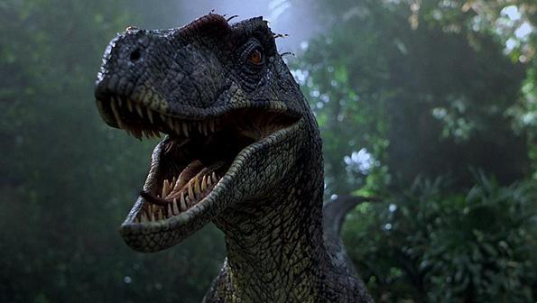 (5) Филм: Светот Јура (Jurassic World)