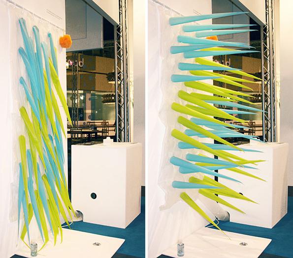 (5) Имате 4 минути да се истуширате пред оваа завеса да ве избрка со цел да заштедите вода
