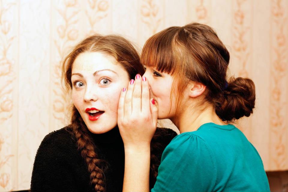 Внимавајте со вашите тајни: Кои хороскопски знаци се најголемите брбливци и озборувачи?