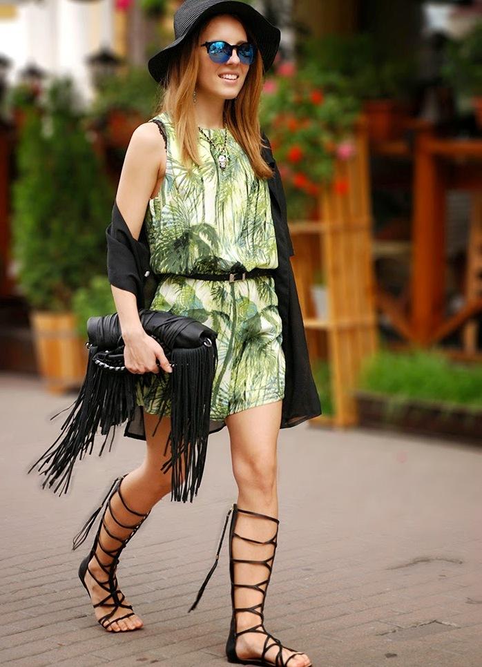 2-stilska-i-modna-inspiracija-kako-da-nosite-gladijatorki-kafepauza.mk_