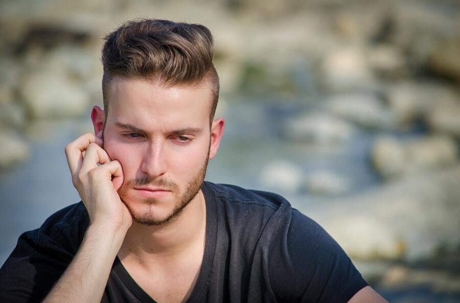 Дали вашиот партнер е зависник? 3 знаци да откриете за сигурно