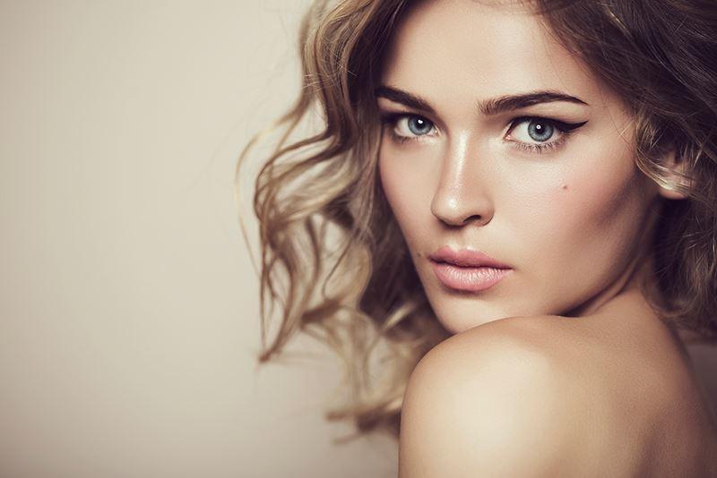 Што мажите сметаат дека е најпривлечно на женското лице?