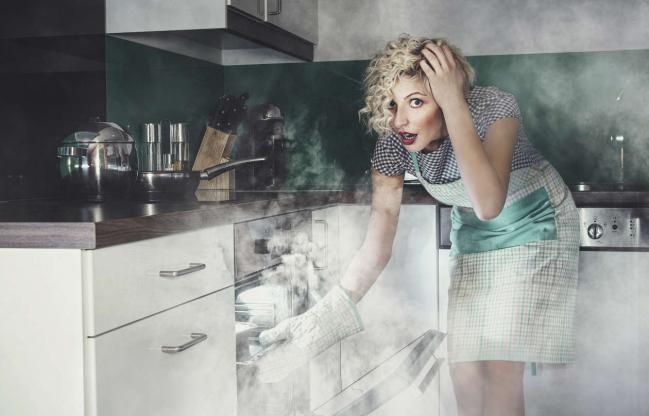 1-11-odlichni-nachini-da-go-otstranete-mirisot-od-zagorenata-hrana-od-vashiot-dom-www.kafepauza.mk_